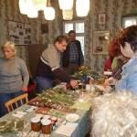 Berta György bemutatja gyógynövény termékeit a csorvási pedagógusoknak