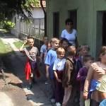 Iskolások látogatása Major Pál csorvási kertjében (3. kép)