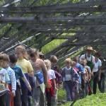 Iskolások látogatása Major Pál csorvási kertjében (16. kép)